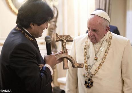crucifixul-comunist